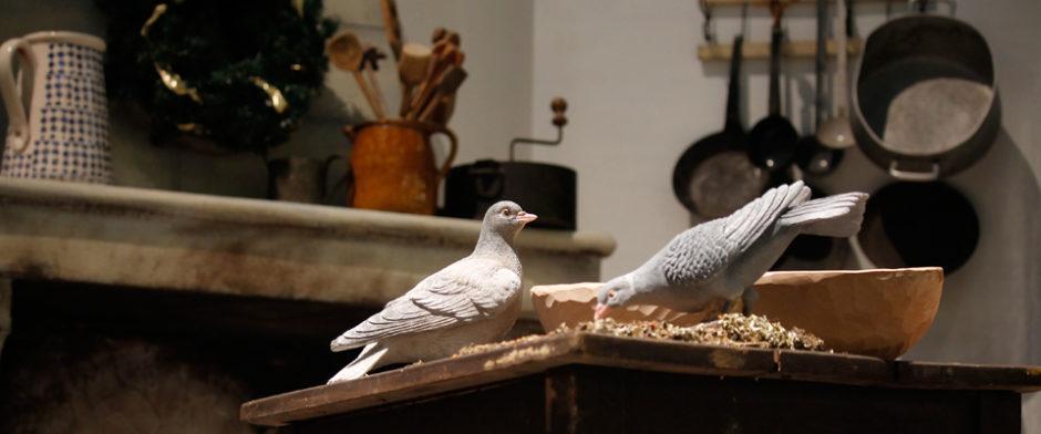 zwei Tauben aus der Aschenputtel Dekoration