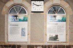 Beuchaer Bahnhofsuhr by Erwin Stache