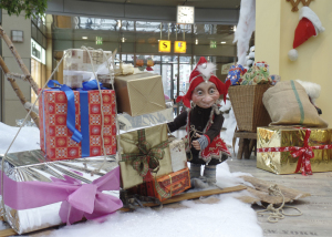 Troll mit Geschenkeschlitten